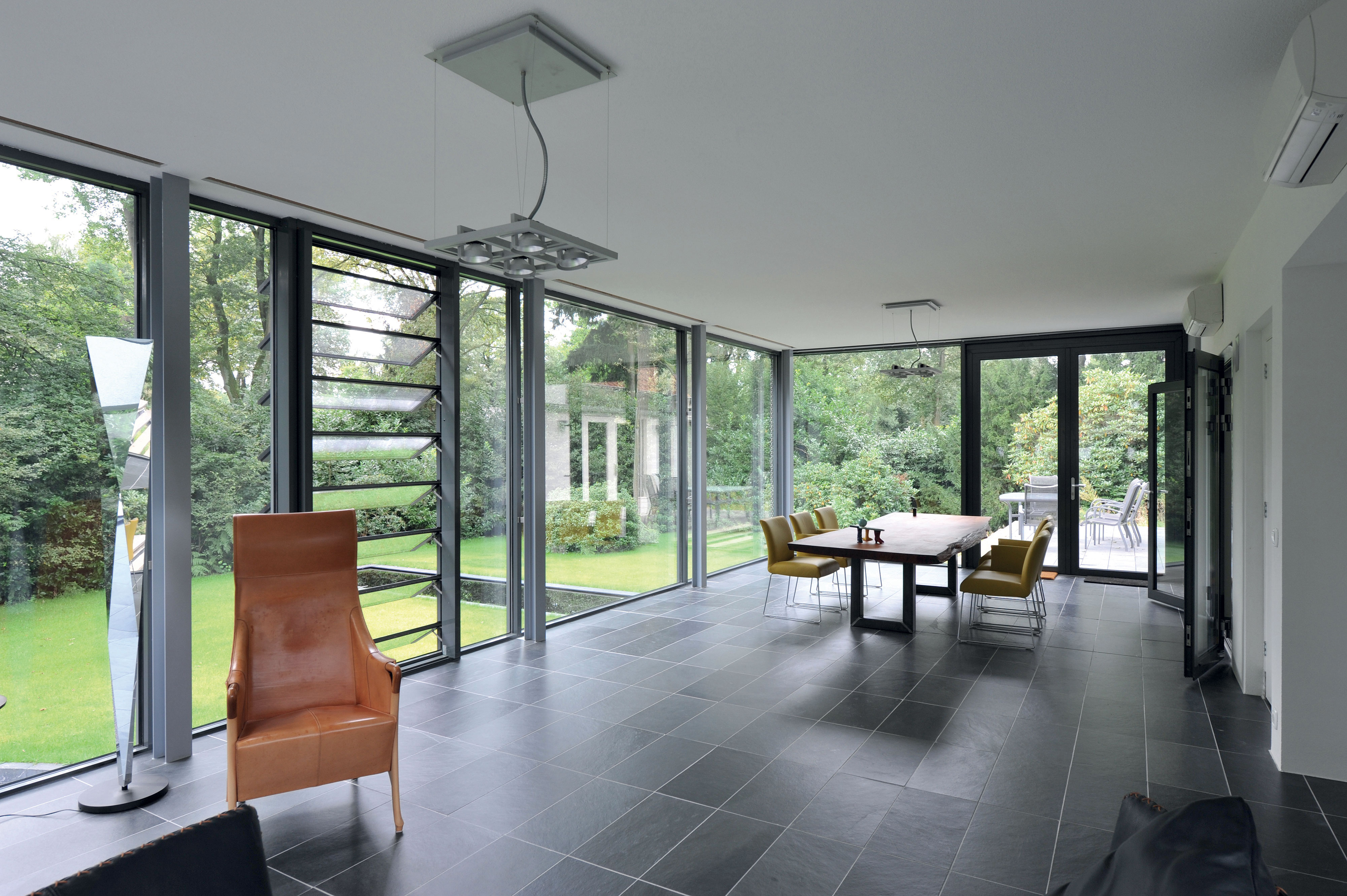 Finding Right Aluminium Windows And Doors For An Extension