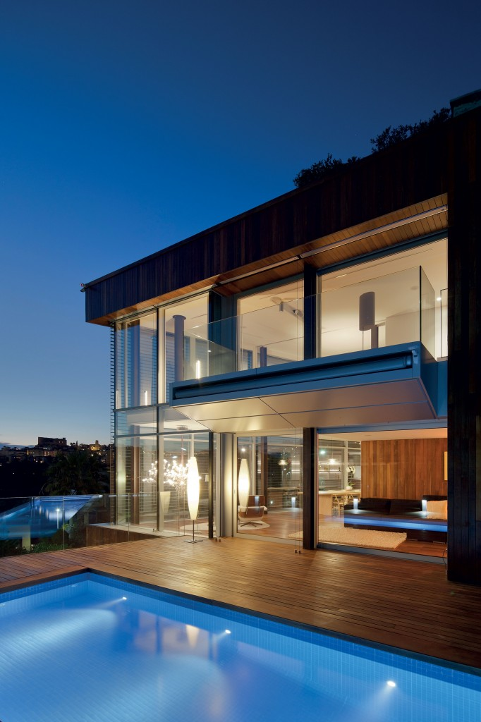 Panoramic-windows-fill-this-luxury-home-with-views-of-Barcelona