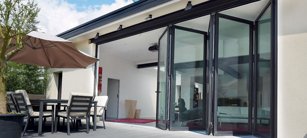 Bifolding doors: do they all have to open in the same direction?