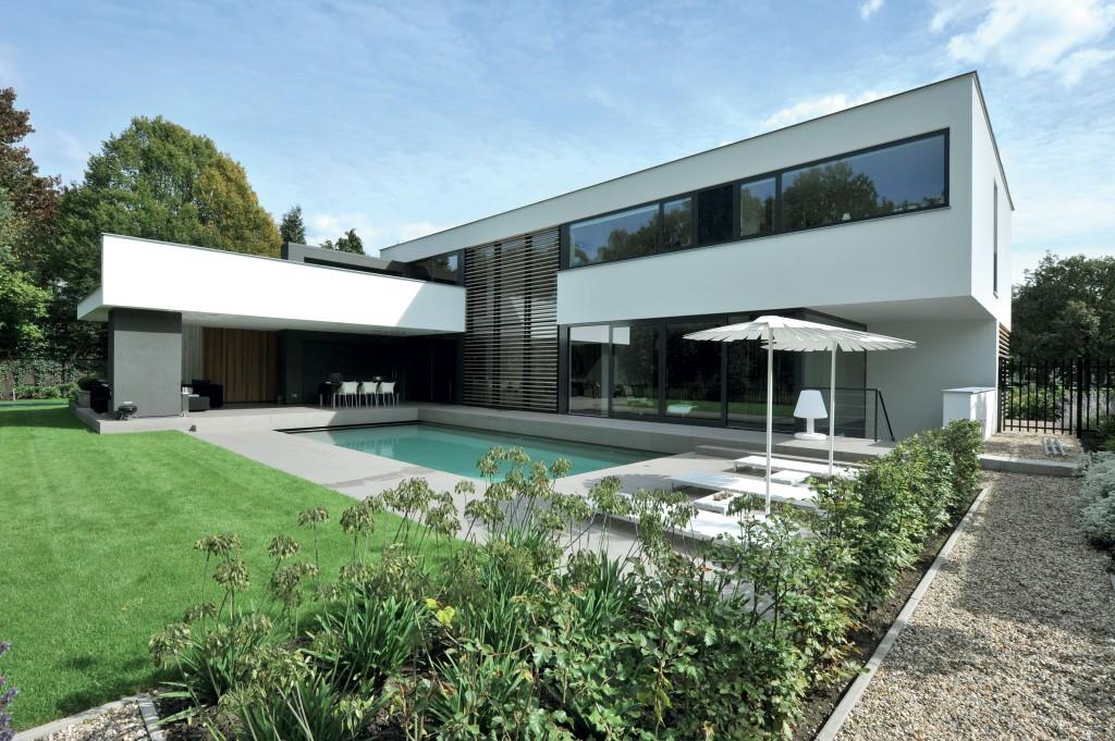 Panoramic-views-how-big-can-bespoke-glazing-get