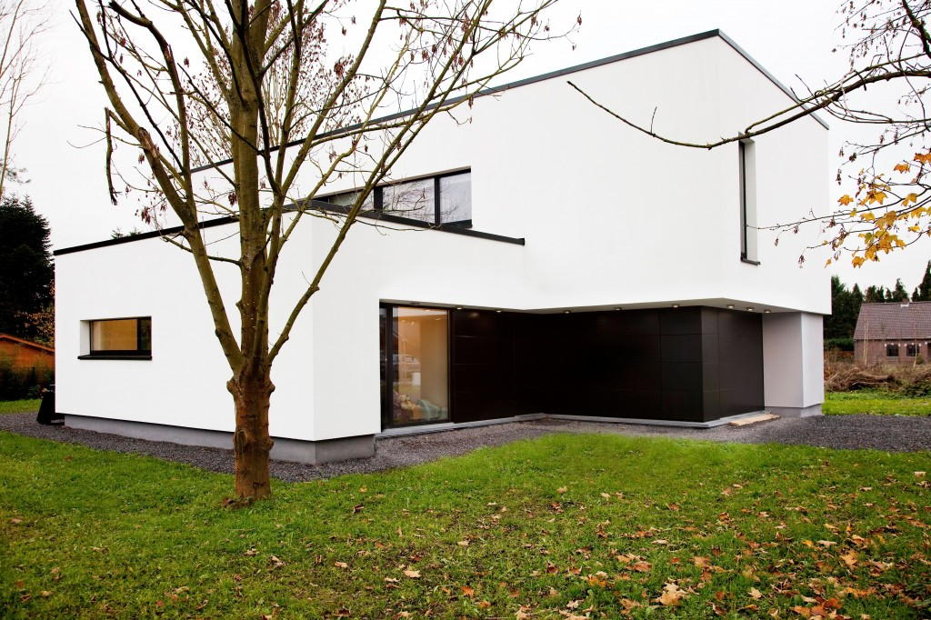High-insulation-aluminium-windows-and-doors-for-an-energy-efficient-home