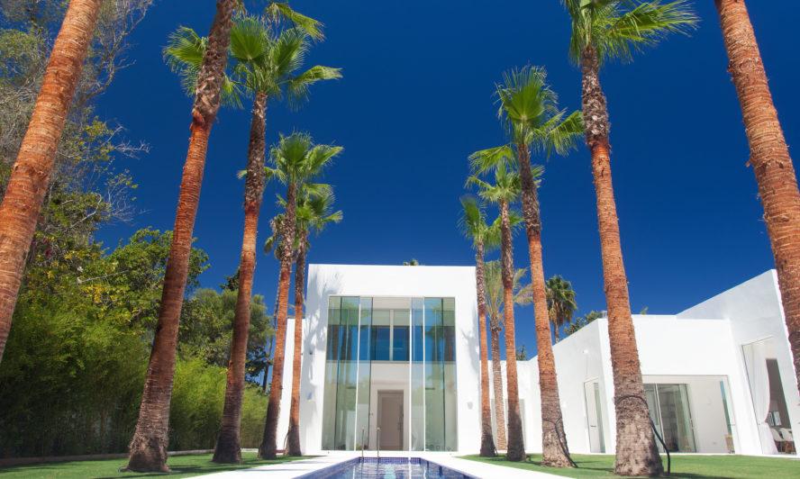 A-truly-bespoke-solution-six-metre-high-aluminium-doors
