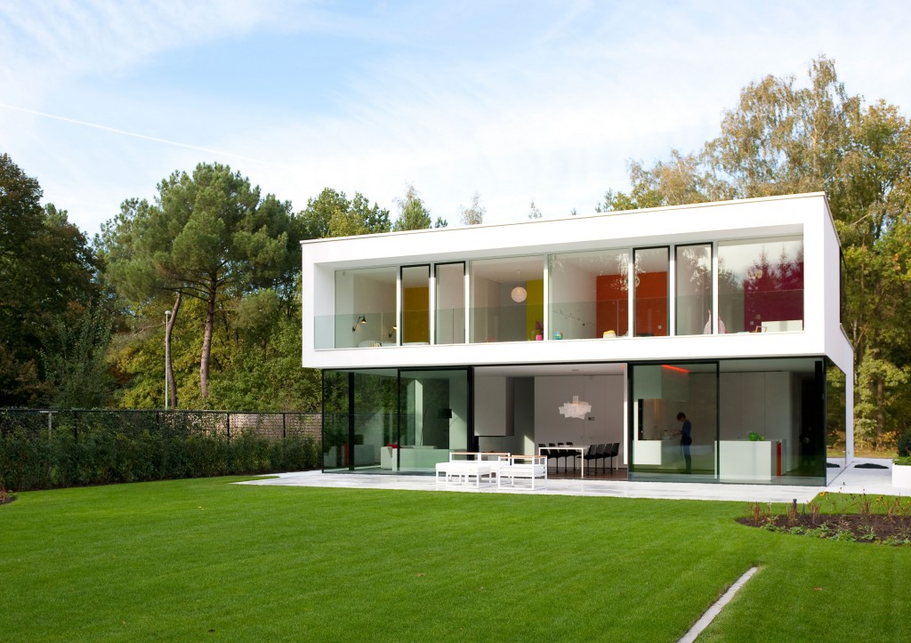 Aluminium doors transforms this Belgian home into heaven