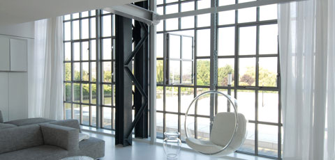 Aluminium window systems with invisible hinges