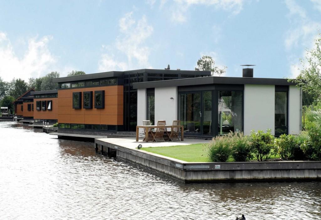 Aluminium window systems for a lakeside home