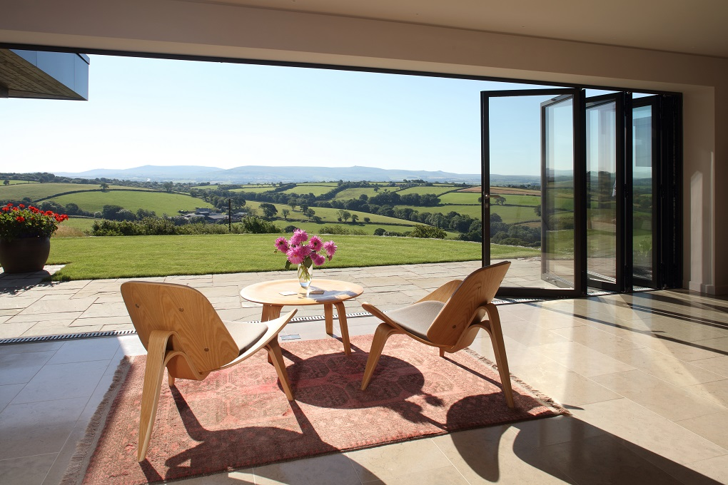 Lowen House wins with Reynaers' aluminium windows and doors