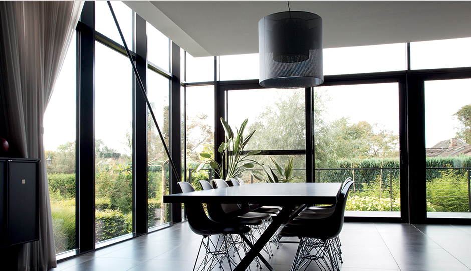 Windows and doors to make you fall back in love with the dining room