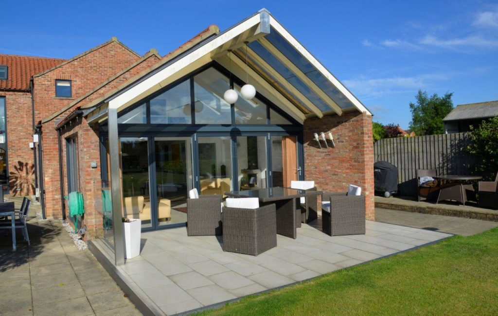 folding doors with roof windows
