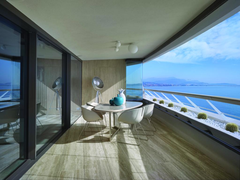 hi-finity sliding patio doors onto a balcony